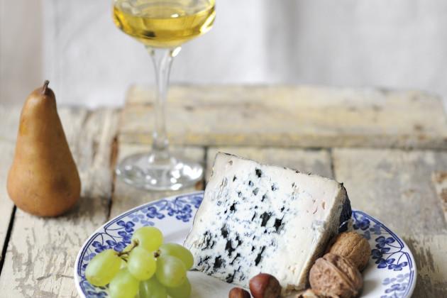 Bleu d'Auvergne & Sainte Croix du Mont 2010 Sweet white wine
